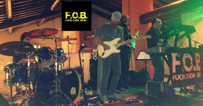 I Fuori Onda in azione al DownUnder pub di Noceto (PR), 4 Dicembre 2015.